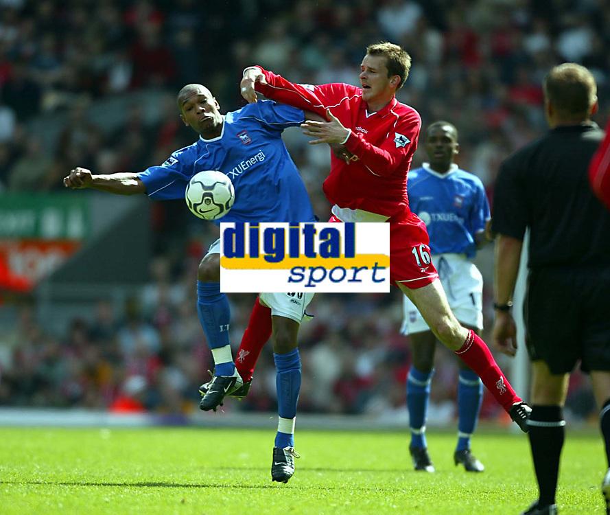 Fotball: Premier League, 11.05.2002.<br />Liverpool v Ipswich.<br />Dietmar Hamann, Liverpool.<br />Marcus Bent, Ipswich.<br />Foto: David Rawcliffe, Digitalsport
