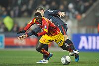 FOOTBALL - FRENCH CHAMPIONSHIP 2009/2010  - L1 - PARIS SAINT GERMAIN v RC LENS - 16/12/2009 - PHOTO GUY JEFFROY / DPPI - KANGA AKALE (LENS)