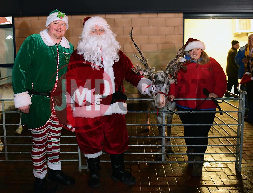 Santa poses for a photo - Mandatory by-line: Alex Davidson/JMP - 22/12/2017 - RUGBY - Sixways Stadium - Worcester, England - Worcester Warriors v London Irish - Aviva Premiership