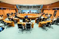 02 SEP 2020, BERLIN/GERMANY:<br /> Uebersicht SItzung des Kabinetts im grossen Sitzungssaal, der aufgrund der Corona-Vorgaben fuer die Kabinettsitzung genutzt wird, Budneskanzleramt<br /> IMAGE: 20200902-01-040<br /> KEYWORDS: Sitzung, Kabinett, Übersicht