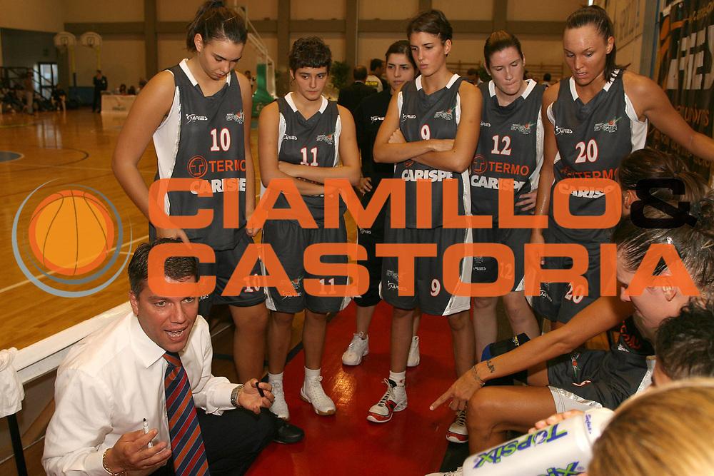 DESCRIZIONE : Cagliari Lega A1 Femminile 2006-07 Prima Giornata Pasta Ambra Taranto Carispe La Spezia <br /> GIOCATORE : Team La Spezia <br /> SQUADRA : Carispe La Spezia <br /> EVENTO : Campionato Lega A1 2006-2007 <br /> GARA : Pasta Ambra Taranto Carispe La Spezia <br /> DATA : 07/10/2006 <br /> CATEGORIA : Timeout <br /> SPORT : Pallacanestro <br /> AUTORE : Agenzia Ciamillo-Castoria/S.D''Errico