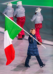 09.02.2018, Olympic Stadium, Pyeongchang, KOR, PyeongChang 2018, Eröffnungsfeier, im Bild Arianna Fontana (ITA) // Italy's flagbearer Arianna Fontana during the Opening Ceremony of the Pyeongchang 2018 Winter Olympic Games at the Olympic Stadium in Pyeongchang, South Korea on 2018/02/09. EXPA Pictures © 2018, PhotoCredit: EXPA/ Johann Groder