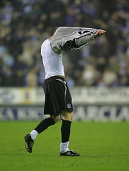 WIGAN, ENGLAND - TUESDAY, JANUARY 31st, 2006: Everton's Duncan Ferguson walks off the pitch after being sent off the Premiership match against Wigan Athletic at the JJB Stadium. (Pic by Chris Brunskill/Propaganda)