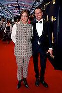 UTRECHT - In de Stadsschouwburg van Utrecht zijn de Gouden Kalveren 2013 uitgereikt. Met hier op de foto  Jacqueline Blom en haar partner. FOTO LEVIN DEN BOER - PERSFOTO.NU