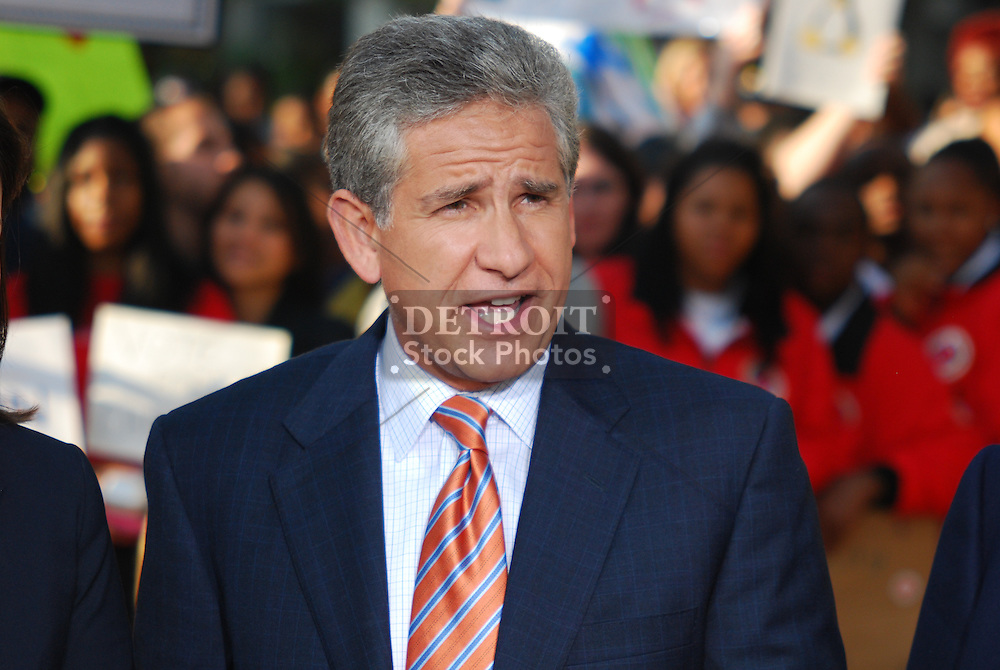 On September 25, 2008, NBC's Today Show filmed live from Campus Martius in Downtown Detroit. Ann Curry talked with Guy Gordon and Rhonda Walker from WDIV, the NBC affiliate in metro Detroit.
