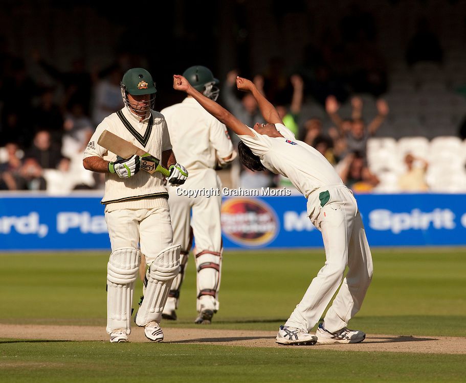 Mohammad Asif celebrates as Ricky Ponting (left) is out lbw during the MCC Spirit of Cricket Test Match between Pakistan and Australia at Lord's.  Photo: Graham Morris (Tel: +44(0)20 8969 4192 Email: sales@cricketpix.com) 14/07/10