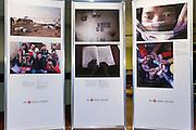 Exposition de Kiran Ambwani sur le Népal : 1 an après le séisme -  Radio Canada / Montréal / Canada / 2016-05-10, © Photo Marc Gibert / adecom.ca