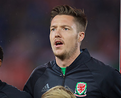 VIENNA, AUSTRIA - Thursday, October 6, 2016: Wales' goalkeeper Wayne Hennessey sing the national anthem as they line-up before the 2018 FIFA World Cup Qualifying Group D match against Austria at the Ernst-Happel-Stadion. (Pic by David Rawcliffe/Propaganda)