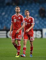 FUSSBALL   CHAMPIONS LEAGUE   SAISON 2013/2014   Vorrunde Manchester City - FC Bayern Muenchen        02.10.2013 Thomas Mueller (re, FC Bayern Muenchen) und Jan Kirchhoff (FC Bayern Muenchen)