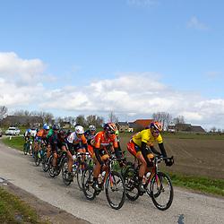 07-04-2016: Wielrennen: Energiewachttour vrouwen: Winsum<br />WINSUM (NED) wielrennen<br />De tweede etappe in de Energiewacht rond Winsum werd door de wind een zware etappe. Geletrui draagster Ellen van Dijk leid de kopgroep die na 11 kilomter wedstrijd al weg reed. Naast haar Chantal Blaak die de etappe op haar naam wist te schrijven