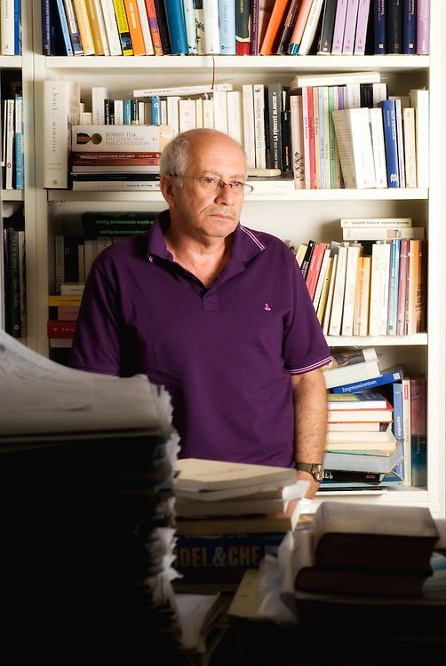 Anteos Hrisostomidis, head of the foreign literature department of the Kastaniotis Editions for Tahidromos magazine - Greece