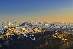 THEMENBILD - Das Kitzbühler Skigebiet mit den Hohe Tauern als Bergpanorama, aufgenommen am 17. Mai 2017, Kitzbühler Horn, Österreich // The Kitzbüheler ski area with the Hohe Tauern as a mountain panorama at the Kitzbühler Horn, Austria on 2017/05/17. EXPA Pictures © 2017, PhotoCredit: EXPA/ Stefan Adelsberger