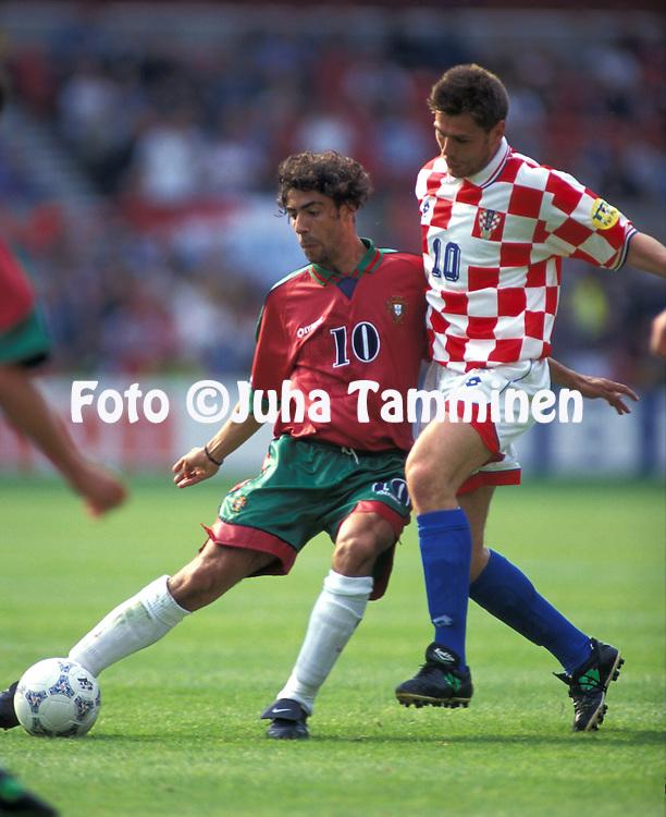 UEFA European Champioship 1996.Rui Costa (Portugal) v Zvonimir Boban (Croatia).©JUHA TAMMINEN