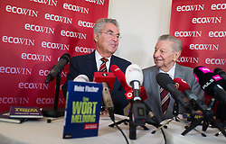 "23.09.2016, Landtmann, Wien, AUT, Pressegespräch Verlag ecowin anlässlich der Buchpräsentation ""Eine Wortmeldung"" von und mit Altbundespräsident Fischer, im Bild v.l.n.r. ehemaliger Bundespräsident Heinz Fischer und Journalist Hugo Portisch // f.l.t.r. former Federal President of Austria Heinz Fischer and Journalist Hugo Portisch during press conference of former president of austria Fischer due to book presentation ""Eine Wortmeldung"" in Vienna, Austria on 2016/09/23, EXPA Pictures © 2016, PhotoCredit: EXPA/ Michael Gruber"