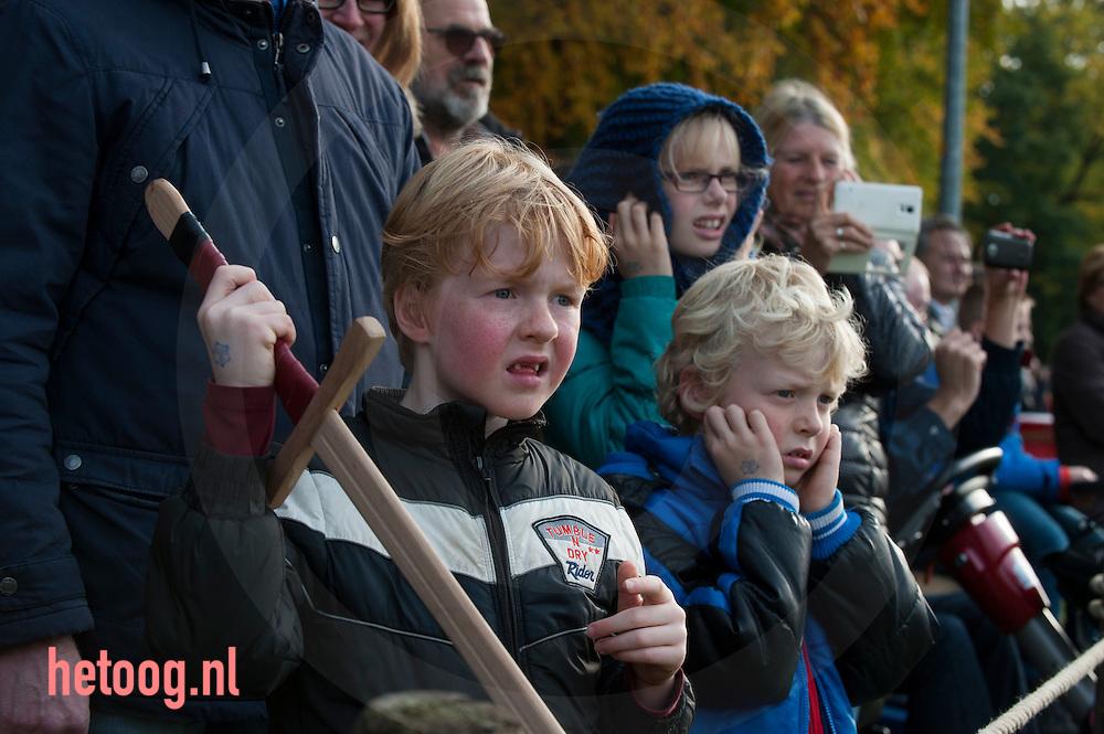 The Netherlands, Nederland Groenlo (GLD) Grolle . In de hele binnenstad van Groenlo waan je je in 1627.  Frederik Hendrik kreeg in 1627 opdracht van de Staten Generaal om 'die Starcke Stadt Grol' te heroveren op 'den Spanjaerd'. De belegering van Grolle duurde 30 dagen en daarna Groenlo was veroverd en zou nooit meer in bezit komen van de Spanjolen. In het weekend van 23, 24 en 25 okt  vindt een reenactment plaats van die belegering en veldslag.