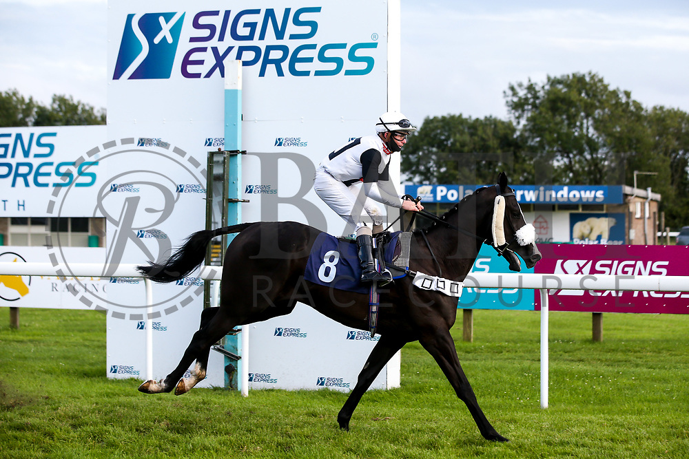 Toolmaker ridden by Kieran O'Neill and trained by David Flood in the visitbath.co.uk Handicap - Mandatory by-line: Robbie Stephenson/JMP - 18/07/2020 - HORSE RACING- Bath Racecourse - Bath, England - Bath Races 18/07/20