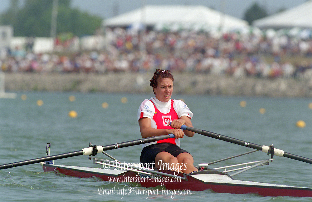 St Catherines, CANADA,  Women's Single Sculls,  POL W1X. Agnieszka TOMCZAK,  moves away from the start at the 1999 World Rowing Championships - Martindale Pond, Ontario. 08.1999..[Mandatory Credit; Peter Spurrier/Intersport-images]  .. 1999 FISA. World Rowing Championships, St Catherines, CANADA