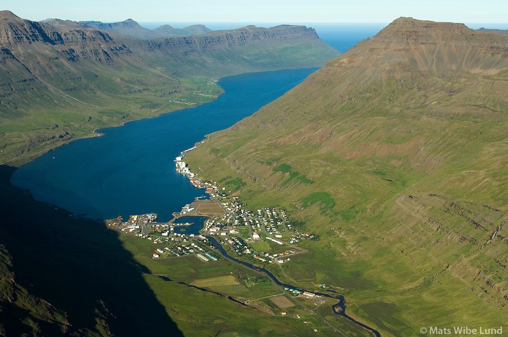 Seyðisfjörður til norausturs / Seydisfjordur viewing northeast.