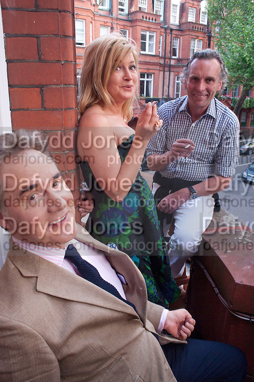 PETER YORK; BABETTE PERENO; ROBERT PERENO, Drinks party hosted by Basia Briggs. Sloane Gdns. London. 24 May 2010. -DO NOT ARCHIVE-© Copyright Photograph by Dafydd Jones. 248 Clapham Rd. London SW9 0PZ. Tel 0207 820 0771. www.dafjones.com.