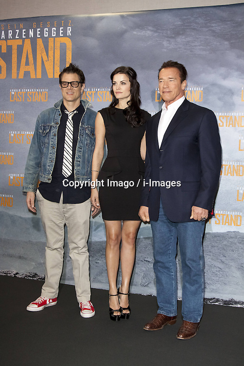 Johnny Knoxville, Jaimie Alexander, and Arnold Schwarzenegger during a photocall at the premiere of the movie 'The Last Stand', Cologne, Germany, January 21, 2013. Photo by Imago / i-Images...UK ONLY