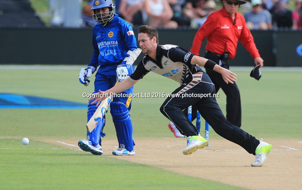 New Zealand's Matt Henry fields off his bowling. First cricket T20, Black Caps v Sri Lanka, Blake Park, Tauranga,  New Zealand. Thursday, 7 January , 2016. Copyright photo: John Cowpland / www.photosport.nz