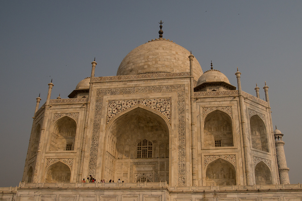 The Taj Mahal is a New 7 Wonders of the World site.  It is a marble mausoleum built for Mumtaz Mahal who was a wife of Mughal emperor, Shah Jahan.  The Taj Mahal is located in Agra, India.