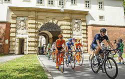 03.07.2017, Wien, AUT, Ö-Tour, Österreich Radrundfahrt 2017, 1. Etappe von Graz nach Wien (193,9 km), im Bild das Feld beim Start in Graz // the Peleton at the start in Graz during the 1st stage from Graz to Vienna (193,9 km) of 2017 Tour of Austria. Wien, Austria on 2017/07/03. EXPA Pictures © 2017, PhotoCredit: EXPA/ Erwin Scheriau