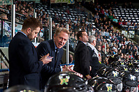 KELOWNA, CANADA - APRIL 7: Portland Winterhawks' assistant coach Oliver David and head coach Mike Johnston stand on the bench against the Kelowna Rockets on April 7, 2017 at Prospera Place in Kelowna, British Columbia, Canada.  (Photo by Marissa Baecker/Shoot the Breeze)  *** Local Caption ***