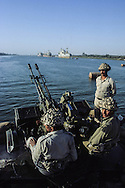 Irak 1981. iran Irak war , Iraqui army in Catt le arab, in front of Abadan