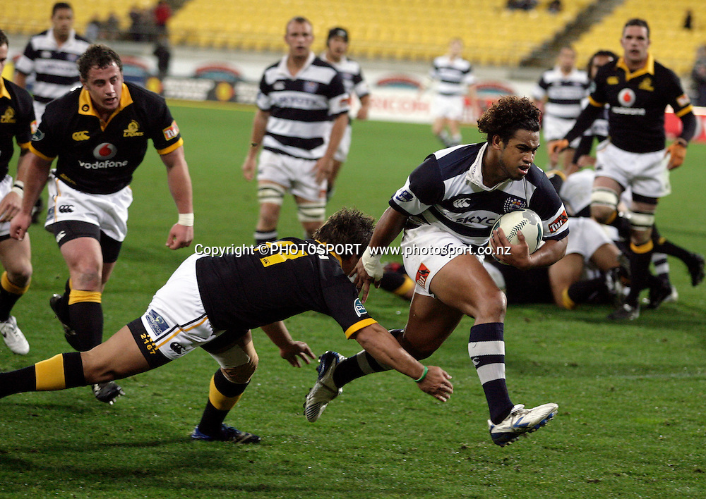 Taniela Moa scores a try for Auckland.          <br /> Wellington v Auckland pre-season Air NZ Cup match. Westpac Stadium, Wellington. Friday 20 July 2007. Photo: Anthony Phelps/PHOTOSPORT