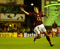 Photo: Chris Ratcliffe.<br />Arsenal v Sparta Prague. UEFA Champions League.<br />02/11/2005.<br />Robin Van Persie celebrates the first of his two goals