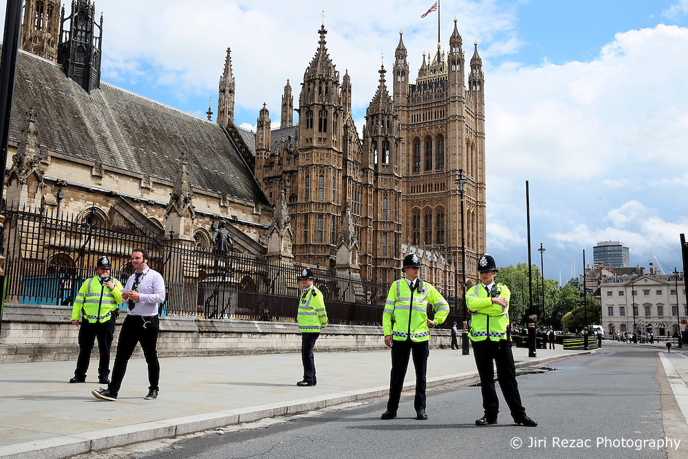 UK ENGLAND LONDON 20JUN16 - Parliamentarians and passers-by pay their respects to murdered MP Jo Cox outside St. Margret's Church near Parliament Square, Westminster, London.<br /> <br /> jre/Photo by Jiri Rezac<br /> <br /> © Jiri Rezac 2016