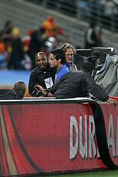 07.07.2010, Moses Mabhida Stadium, Durban, SOUTH AFRICA, Deutschland ( GER ) vs Spanien ( ESP ) im Bild Fan wird angefuehrt nachdem er auf das Spielfeld gelaufen ist.Foto ©  nph /  Kokenge / SPORTIDA PHOTO AGENCY