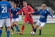 Jonas Henriksen (FC Helsingør) og Gustav Gjøg (Holbæk B&I) under kampen i 2. Division mellem Holbæk B&I og FC Helsingør den 20. oktober 2019 i Holbæk Sportsby (Foto: Claus Birch).