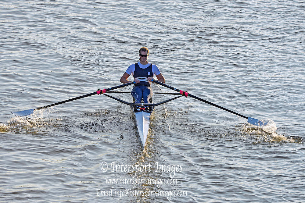 Chiswick, GREAT BRITAIN,   2012 Scullers Head of the River Race, raced over the 'Championship Course', Mortlake to Chiswick [Reverse], on the River Thames, Saturday  08/12/2012  [Mandatory Credit, Peter Spurrier / Intersport-images