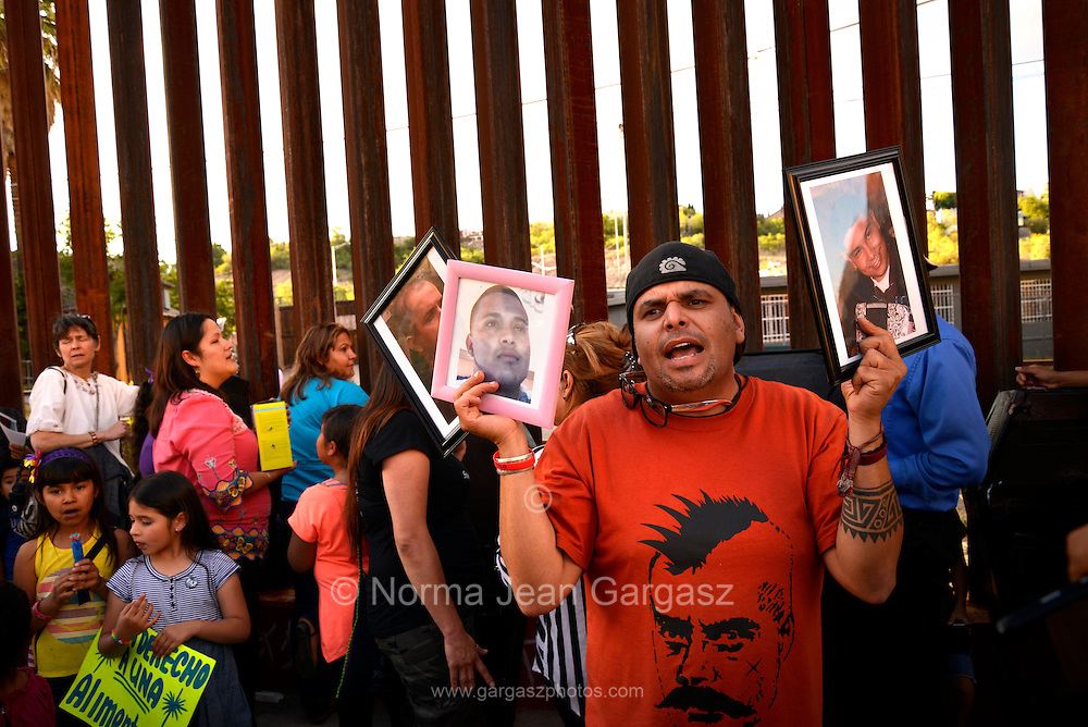 May 24, 2014, Nogales, Sonora, Mexico:  Protesters at the Victimas de la Patrulla Fronteriza Protest vigil in Nogales, Sonora, Mexico, were joined by protesters from the Border Patrol Victims Network from Nogales, Arizona, USA, along the international border in Sonora to support and unite families of those who have been killed or injured in incidents involving U.S. Border Patrol agents.
