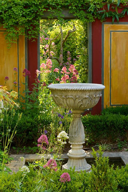 France, Languedoc Roussillon, Gard, Nîmes, le jardin d'Aline et Jean Louis Douillet