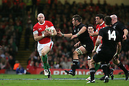 Tom Shanklin of Wales. Invesco Perpetual series, autumn international, Wales v New Zealand at the Millennium stadium in Cardiff  on Sat 7th Nov 2009. pic by Andrew Orchard, Andrew Orchard sports photography.  EDITORIAL USE ONLY