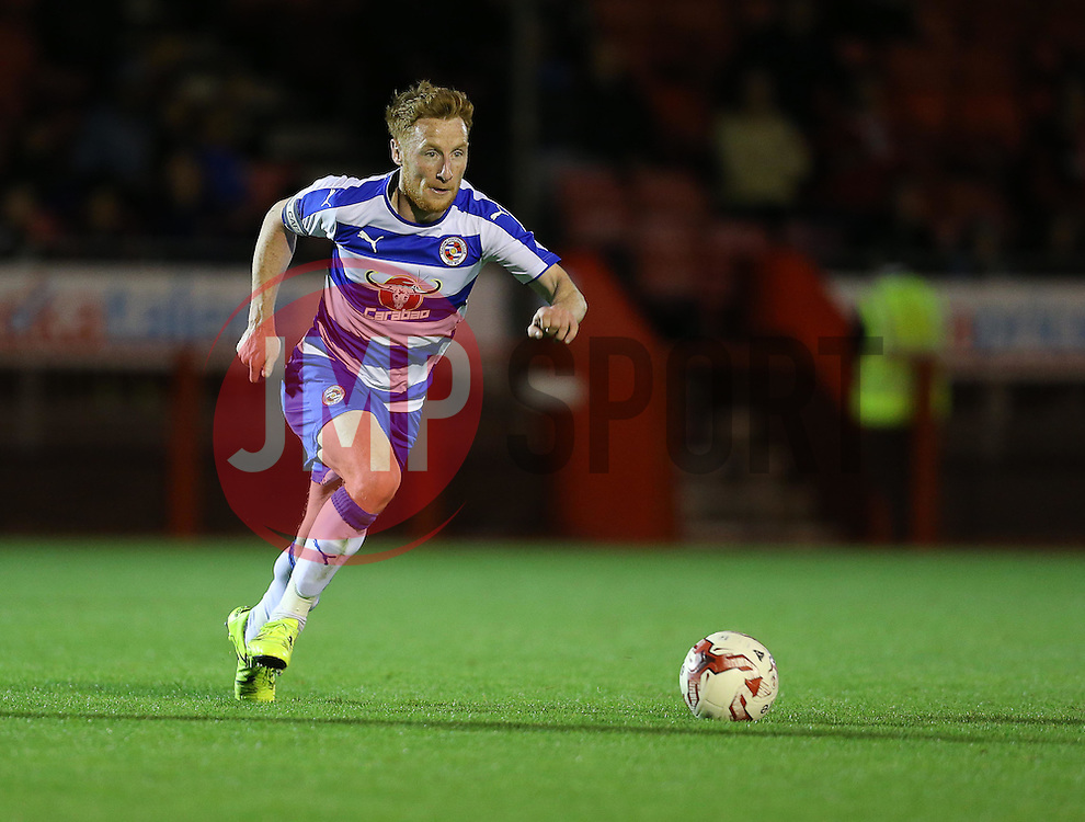 Stephen Quinn of Reading - Mandatory by-line: Paul Terry/JMP - 07966386802 - 27/07/2015 - SPORT - FOOTBALL - Crawley,England - Broadfield Stadium - Crawley Town v Reading - Pre-Season Friendly