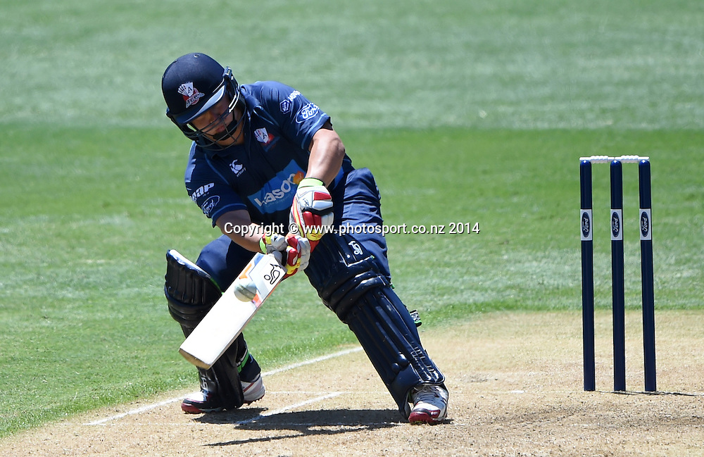 Auckland's Craig Cachopa batting during the Ford Trophy one day cricket match between Auckland Aces and Wellington Firebirds at the Eden Park Outer Oval, Auckland, New Zealand. Saturday 27 December 2014. Photo: Andrew Cornaga/www.Photosport.co.nz