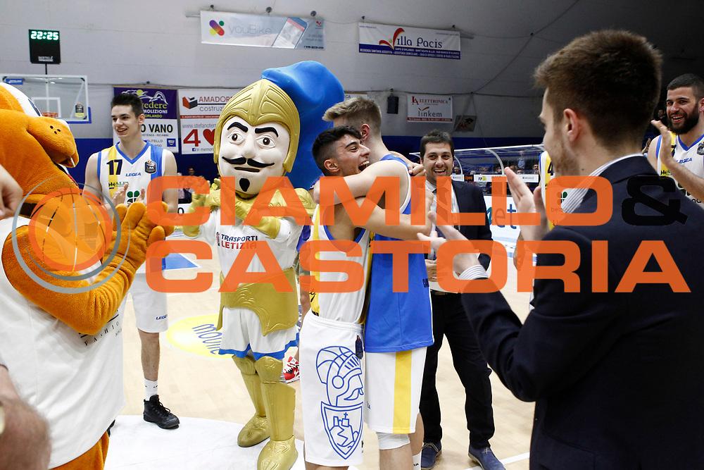 Giorgio Galip&ograve; Mario Ihring<br />Betaland Capo D'Orlando - Consultinvest Pesaro<br />Lega Basket Serie A 2016/2017 <br />Capo D'Orlando 07/05/2017<br />Foto Ciamillo-Castoria