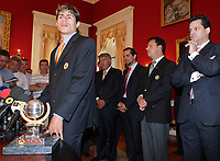 20090528: FUNCHAL, PORTUGAL Ð Nacional Madeira striker Nene receives the Golden Ball, after scoring 20 goals on the Portuguese League 2008/2009. Nene is being followed by SL Benfica, FC Porto, Arsenal, Lyon, AS Roma and Hamburg, among other teams. In picture: Nene. <br />