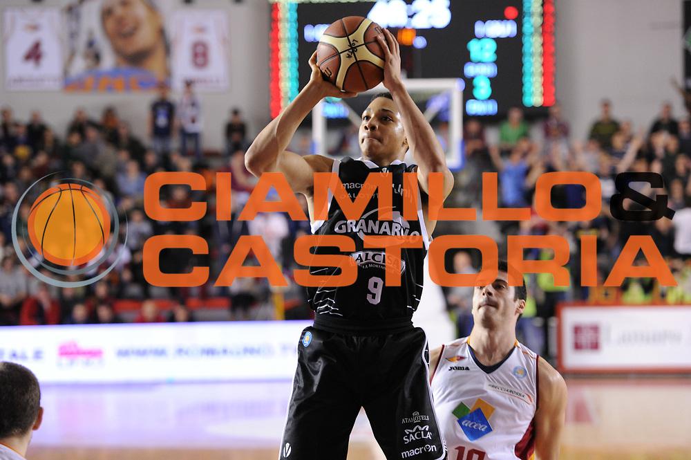 DESCRIZIONE : Roma Lega A 2014-15 Acea Roma Granarolo Bologna<br /> GIOCATORE : Abdul Gaddy<br /> CATEGORIA : Tiro<br /> SQUADRA : Granarolo Bologna<br /> EVENTO : Campionato Lega A 2014-2015<br /> GARA : Acea Roma Granarolo Bologna<br /> DATA : 04/01/2015<br /> SPORT : Pallacanestro <br /> AUTORE : Agenzia Ciamillo-Castoria/G. Masi<br /> Galleria : Lega Basket A 2014-2015<br /> Fotonotizia : Roma Lega A 2014-15 Acea Roma Granarolo Bologna