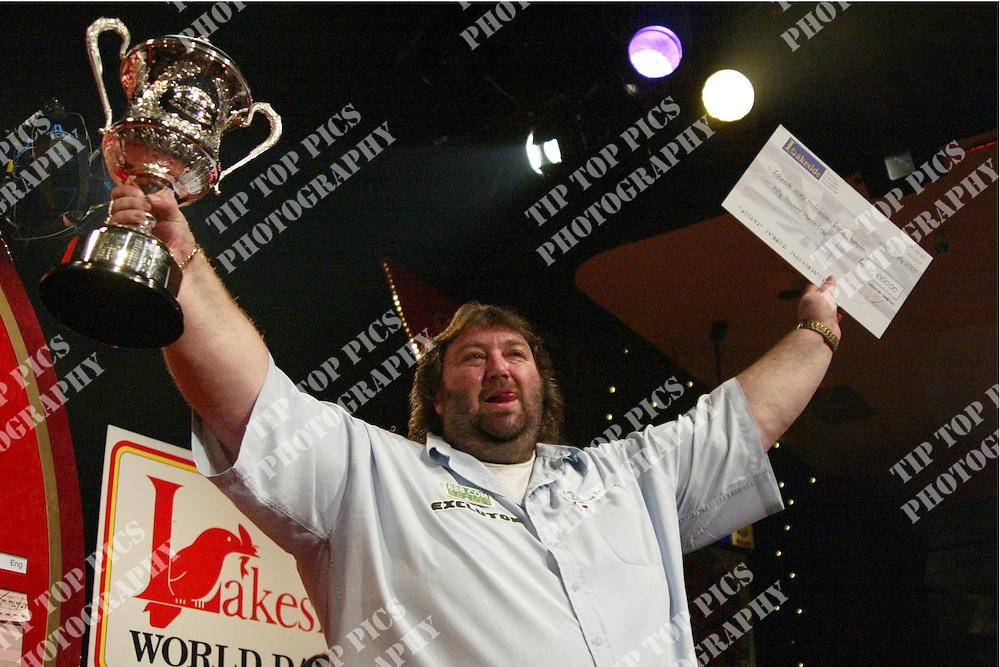 DARTS, ANDY FORDHAM WIN 2004, ANDY FORDHAM, 2004, Embassy Darts, LAKESIDE, FRIMLEY GREEN