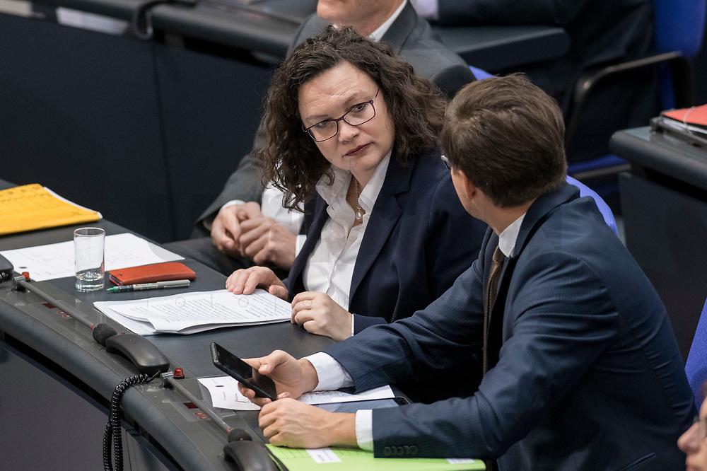 08 NOV 2018, BERLIN/GERMANY:<br /> Andrea Nahles (L), MdB, SPD Fraktionsvorsitzende, und Carsten Schneider (R), MdB, SPD, 1. Parl. Geschaeftsfuehrer, im Gespraech, Bundestagsdebatte zum Gesetzentwurf der Bundesregierung ueber Leistungsverbesserungen und Stabilisierung in der gesetzlichen Rentenversicherung, Plenum, Deutscher Bundestag<br /> IMAGE: 20181108-01-015<br /> KEYWORDS: Sitzung, Gespräch