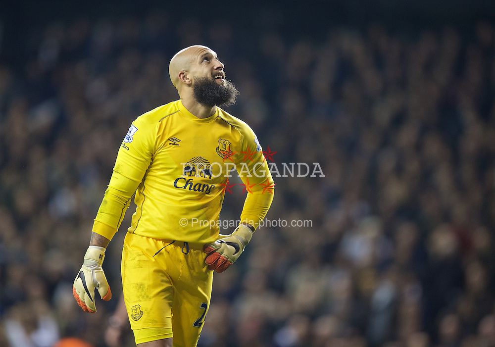 LONDON, ENGLAND - Sunday, November 30, 2014: Everton's goalkeeper Tim Howard looks dejected as Tottenham Hotspur score the first equalising goal during the Premier League match at White Hart Lane. (Pic by David Rawcliffe/Propaganda)