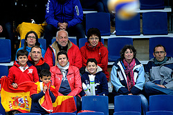 03-06-2012 VOLLEYBAL: EK BEACHVOLLEYBAL FINAL: SCHEVENINGEN<br /> Support voor Spanje, publiek<br /> ©2012-FotoHoogendoorn.nl