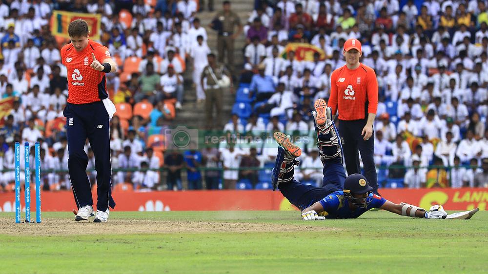 October 20, 2018 - Kandy, Sri Lanka - Sri Lankan cricketer Dasun Shanaka is run out during the 4th One Day International cricket match between Sri Lanka and England at the Pallekele International Cricket Stadium  Sri Lanka. Saturday 20 October 2018  (Credit Image: © Tharaka Basnayaka/NurPhoto via ZUMA Press)