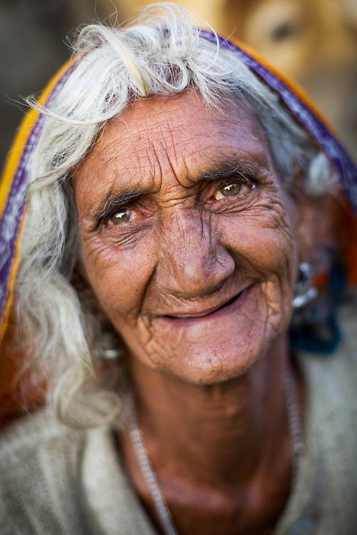 Pilgrim Hindu woman. Pushkar, India.<br /> Photo by Lorenz Berna