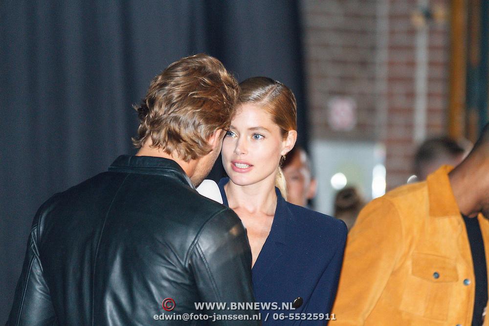 NLD/Amsterdam/20150713 - AFW2015 Summer, Modeshow  Maria Clè Leal, Doutzen kroes word geinterviewd